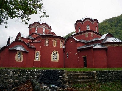 Албанцы хотят уничтожить фасад Печской патриархии
