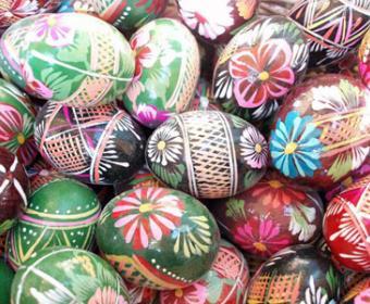 В Баку открылся пасхальный благотворительный базар