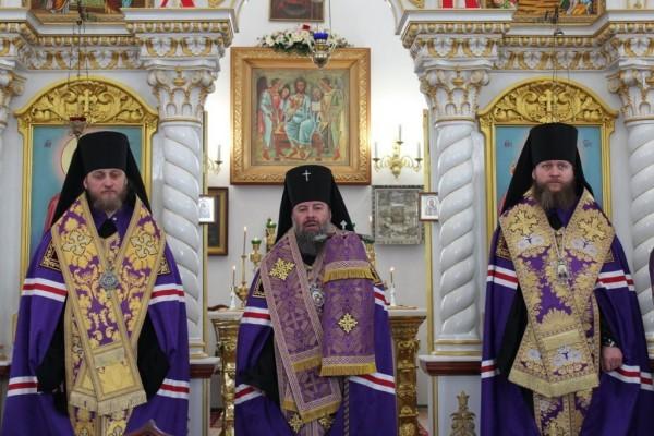Три архипастыря Луганской области обратились к народу с призывом о мире