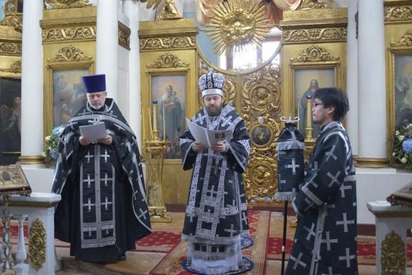 Митрополит Иларион: Церковь обладает всем необходимым для того, чтобы делать человека счастливым