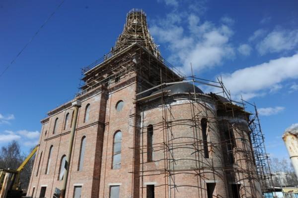 Банк Москвы поддержал программу строительства храмов