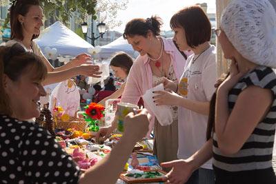 Служба «Милосердие» просит рукодельниц принять участие в благотворительной ярмарке