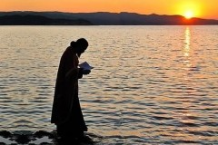 Архимандрит Андрей (Конанос): Легкая жизнь затрудняет путь ко Христу