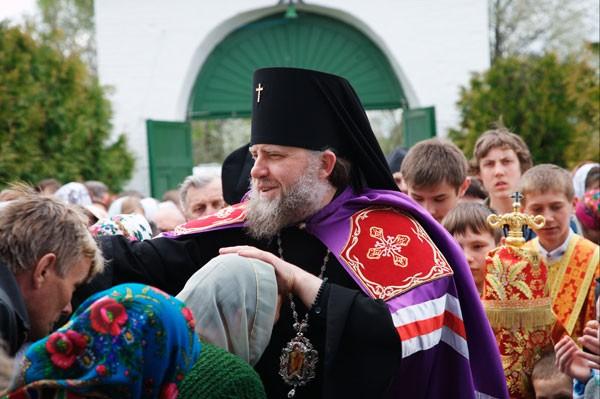 Наместник Почаевской Лавры призвал украинцев жить в мире и любви