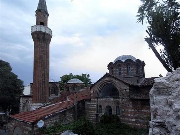 В Стамбуле древнюю Византийскую церковь превратили в жилой дом