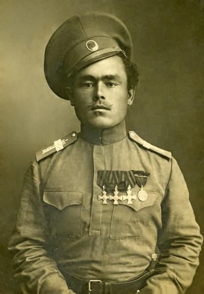 Младший урядник 1-го Оренбургского казачьего полка Харитон Зонов. Фото из частного собрания.