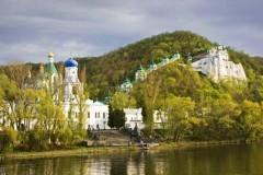 Свято-Успенская Святогорская Лавра готова принимать беженцев