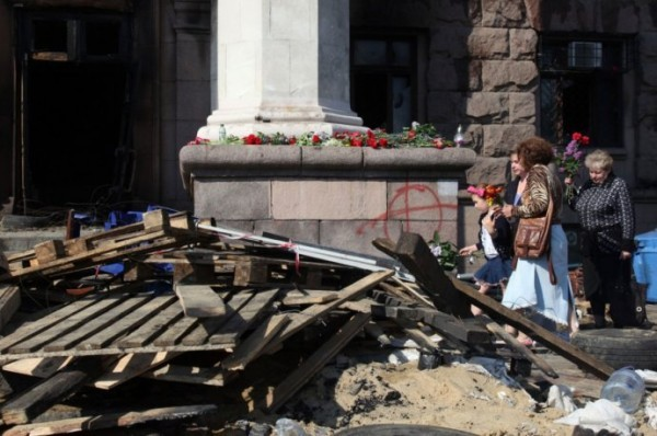 Траур в Одессе: Множество людей пришло в храмы