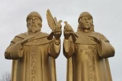 В Республике Коми открыли созданный осужденным памятник святым Петру и Февронии