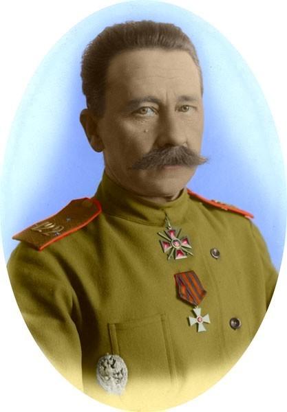 Кавалер ордена св. Георгия 4 ст. и Георгиевского оружия генерал В.Н. Клембовский (раскрашенное фото).