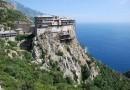Афонскую обитель Симонопетра признали одним из самых красивых монастырей мира