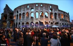 В Риме прошло факельное шествие в защиту христиан на Ближнем Востоке