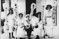 Историк Галина Ульянова: Как белые цветы помогали больным туберкулезом