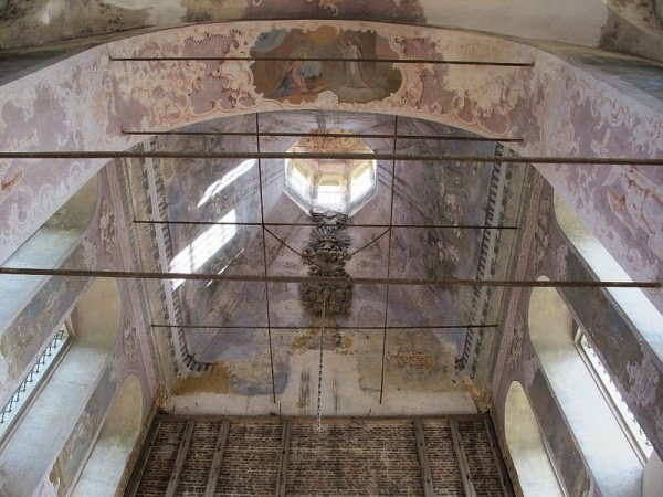 Остатки декора и росписей во Входо-Иерусалимской церкви