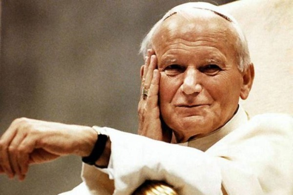 Друг из России, исповедь у «бомжа» и другие штрихи к портрету Иоанна Павла II