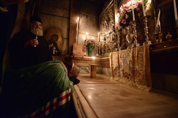Патриарх Московский и всея Руси молится в храме Гроба Господня в Иерусалиме. Фото:Пресс-служба Патриарха Московского и всея Руси