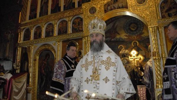 Местоблюститель Киевской митрополичьей кафедры поблагодарил Патриарха Кирилла за поддержку украинского народа