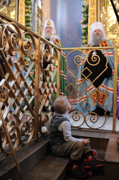 Патриарх Кирилл. Еще одно патриаршее богослужение, маленький прихожанин и Святейший…