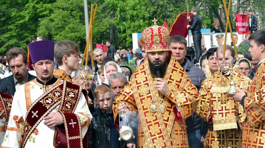 Архиепископ Горловский и Славянский Митрофан: Нужно уметь разговаривать, а не стрелять друг в друга