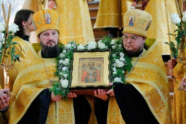 День-памяти-святителя-Христова-Николая-в-Святогорской-Лавре-131