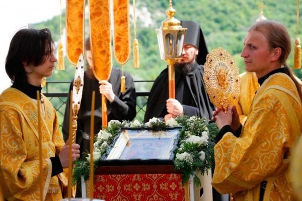 День-памяти-святителя-Христова-Николая-в-Святогорской-Лавре-251