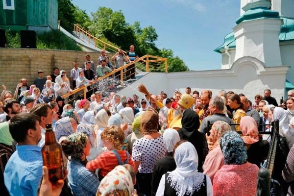 День-памяти-святителя-Христова-Николая-в-Святогорской-Лавре-321