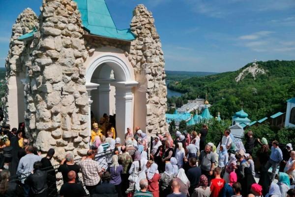 День-памяти-святителя-Христова-Николая-в-Святогорской-Лавре-351