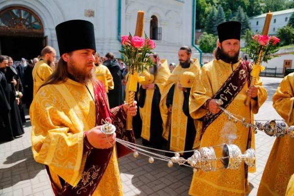 День-памяти-святителя-Христова-Николая-в-Святогорской-Лавре-91
