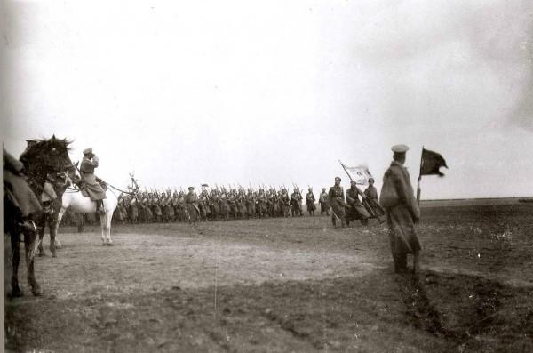 Высочайший смотр 3-го кавалерийского корпуса 29 марта 1916 года. (ЦГКФФА Украины им. Г.С. Пшеничного)
