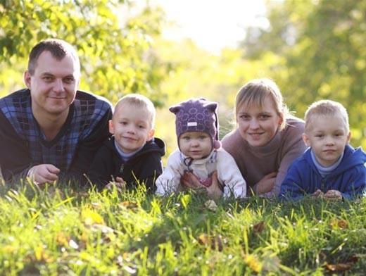Синодальный отдел по благотворительности расскажет, как помочь нуждающейся семье