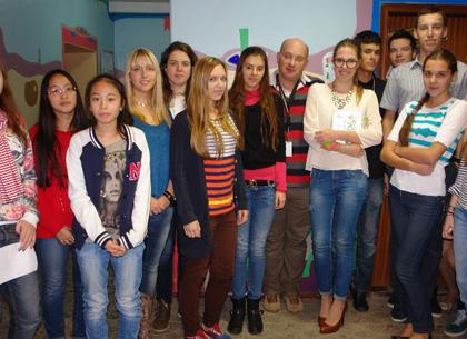 300 тыс. гривен на операции больным детям собрали харьковские школьники, отказавшись от выпускного