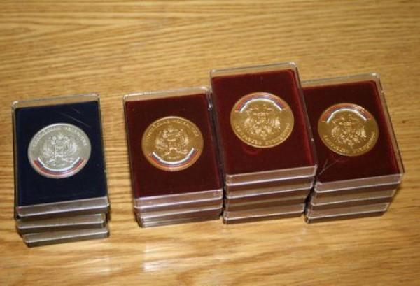 Выпускникам школ вернут медали
