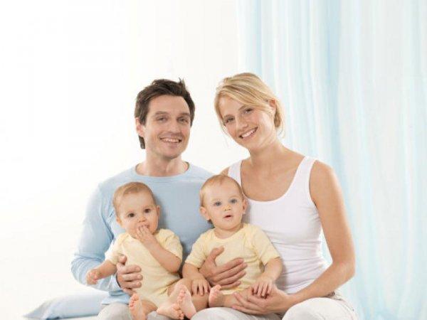 Более половины опрошенных россиян считают, что в семье должно быть два ребенка