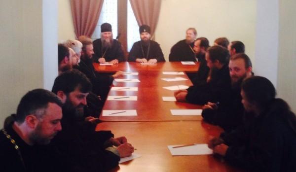 Горловская епархия организует выдачу гуманитарной помощи через храмы Славянска
