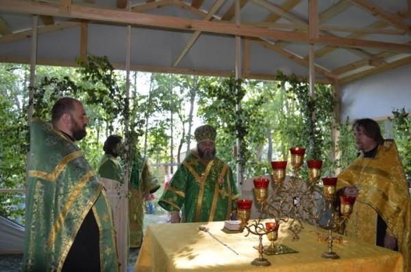 Архиерейское богослужение на Троицу