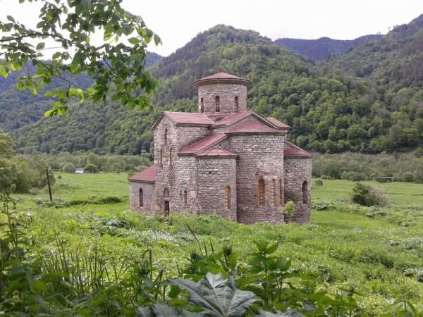 Нижне-Архызское городище. Троицкий храм