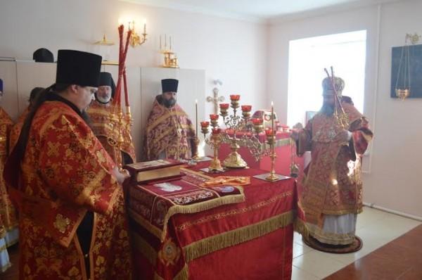 В домовом храме Воскресения Христова