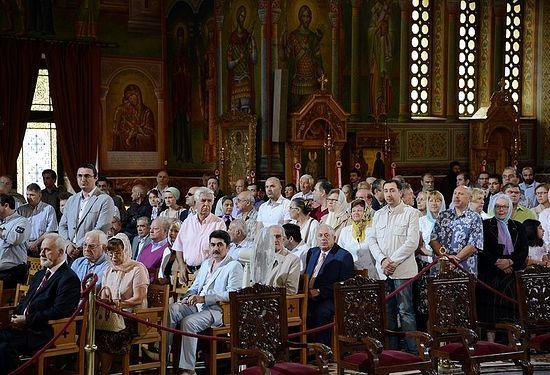 Греков признали самым религиозным народом в Европейском Союзе