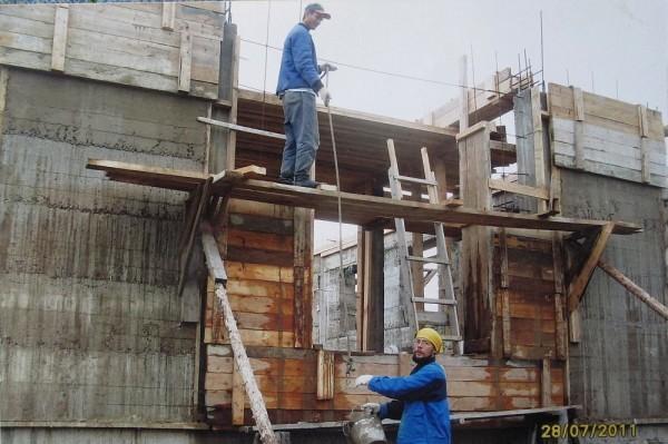 Строительство храма, 2011 год. Фото из архива Надежды Яковлевны