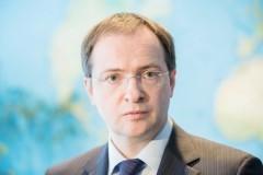 Министр культуры РФ Владимир Мединский: Развенчивая одних героев, надо понять, каких получим взамен