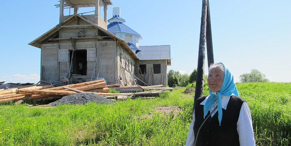 Как бабушка Надежда построила храм на северном острове