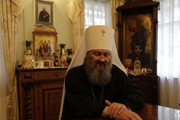 Наместник Киево-Печерской Лавры – о паломниках, туристах и причастии в лаврских храмах
