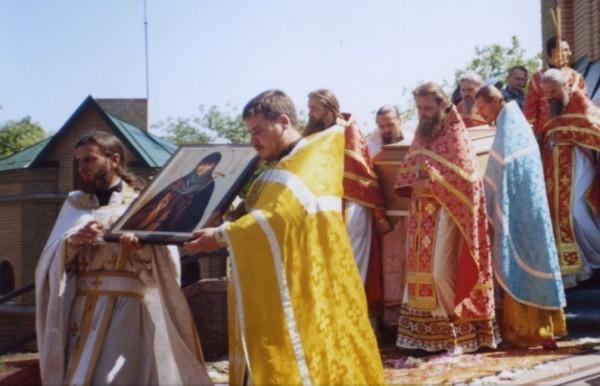 Крестный ход вокруг казанского храма. Чигирин. 24 мая 2005 г