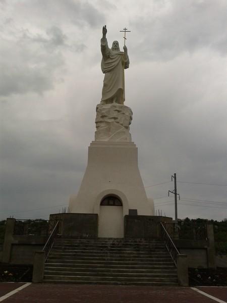 Статуя Христа воскресшего