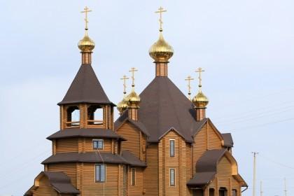 На Донбассе открывается деревянный храм