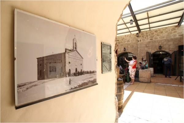 Георгиевский храм - главная достопримечательность города. Даже в местном ресторане висит архивная фотография с его изображением