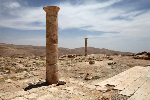 Руины дворца Ирода Антипы