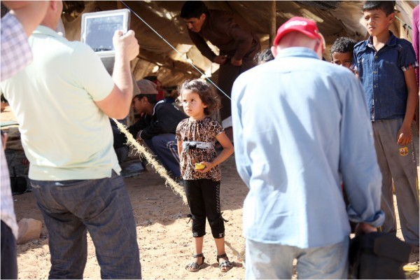 Местные дети до сих пор не привыкли к роли фотомоделей для досужих туристов