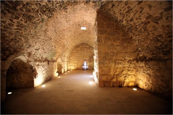 В одном из залов замка в Аджлуне