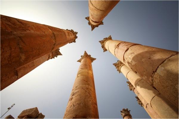 Колоннада храма Артемиды